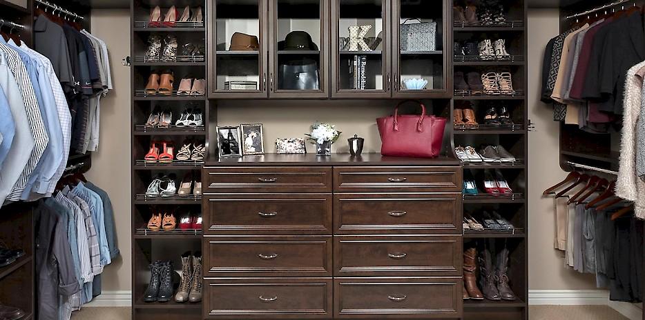 Chocolate Pear Walk In Custom Closet System ...